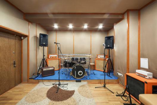 feature post image for Musikzimmer einrichten - guter Schallschutz und eine angenehme Atmosphäre beflügeln die Kreativität